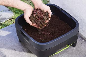 A Complete Review List of Best Options for Indoor Composter