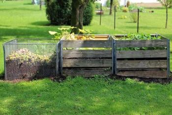 DIY! 5 Simple Steps to Build your own Compost Bin from Pallets.