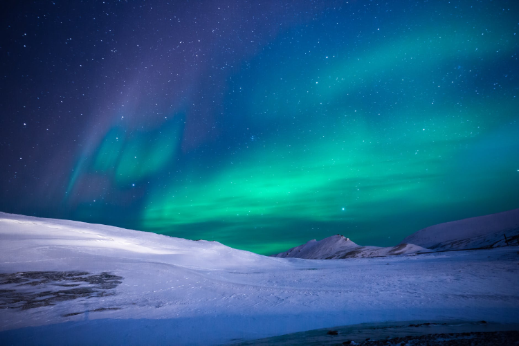 Snapshot of the northern lights at night during winter